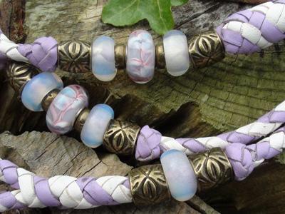 bead leads